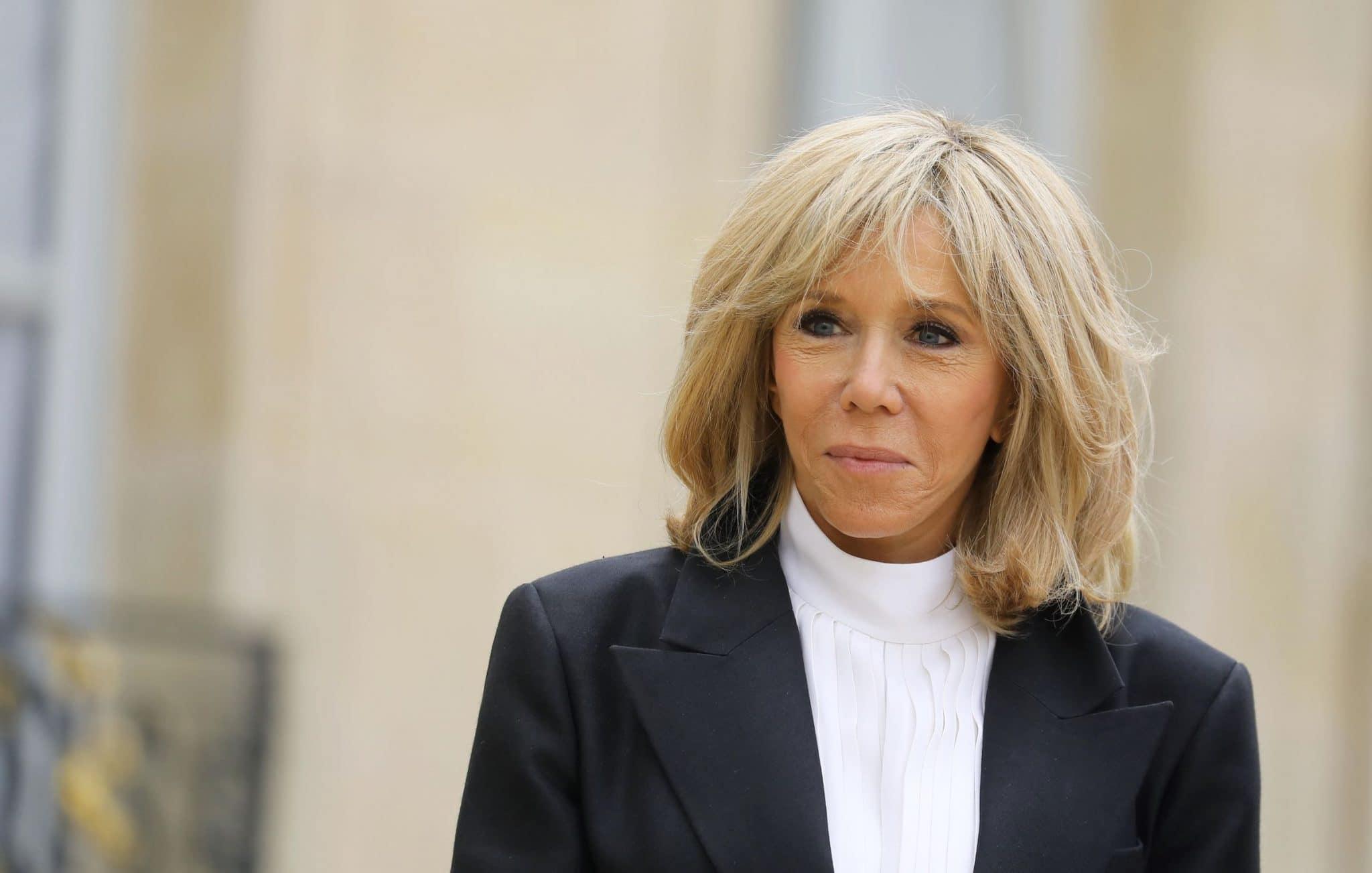 Brigitte Macron en confinement : comment se déroulent ses journées ?