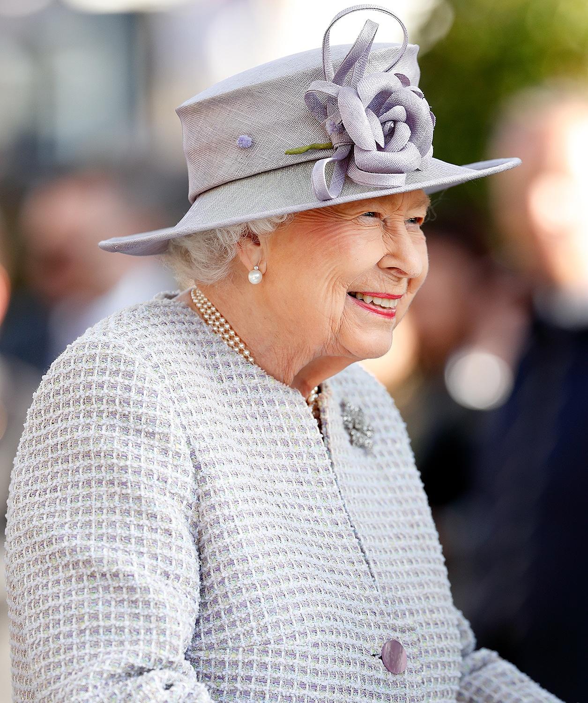 Elizabeth II annule Trooping the Colour