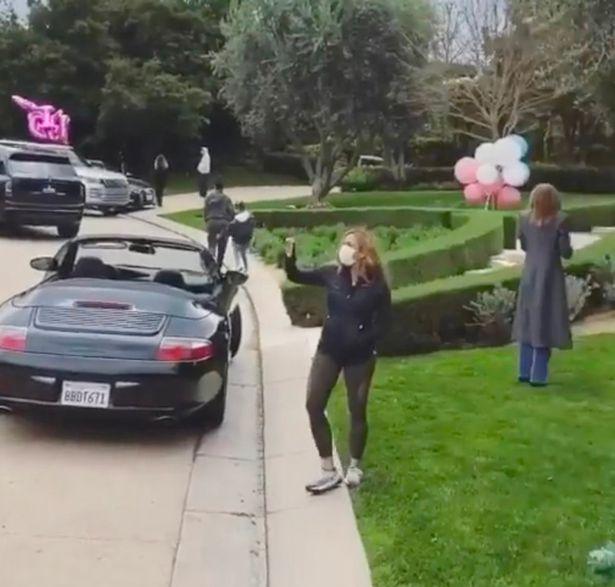 Kourtney Kardashian célèbre son anniversaire confinée