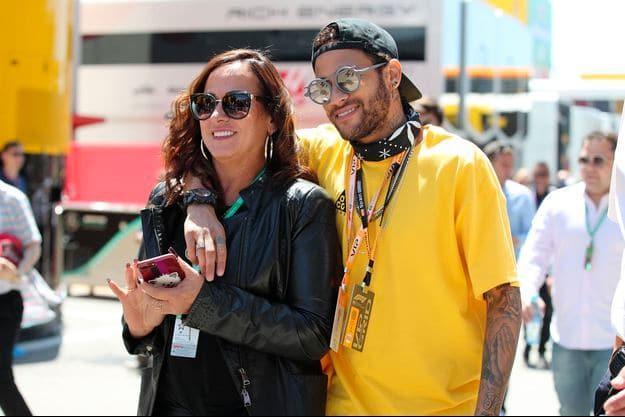 Neymar-et-sa-mère