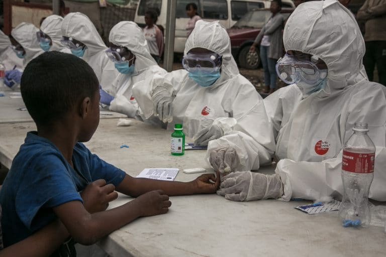 L'Afrique comme laboratoire, Eto'o crie au scandale — Coronavirus