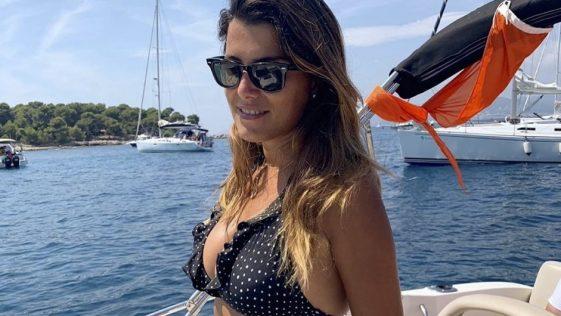 Karine Ferri Instagram