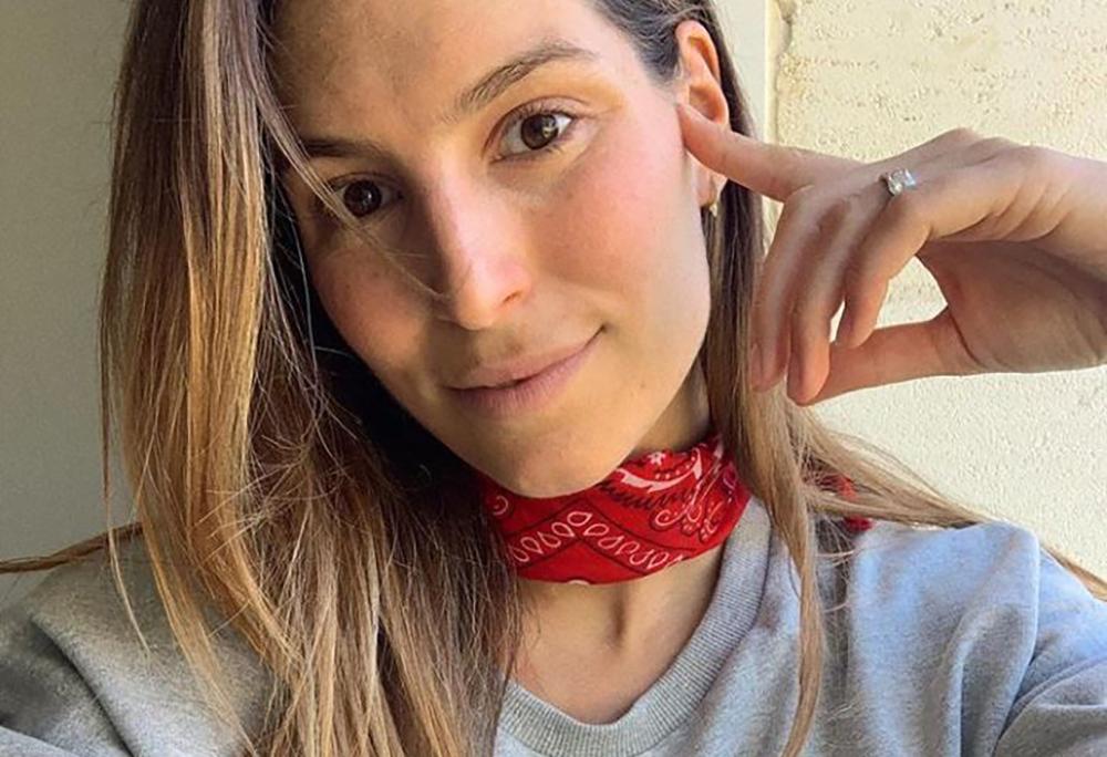 Laury Thilleman se prend en photo sans maquillage sur Instagram
