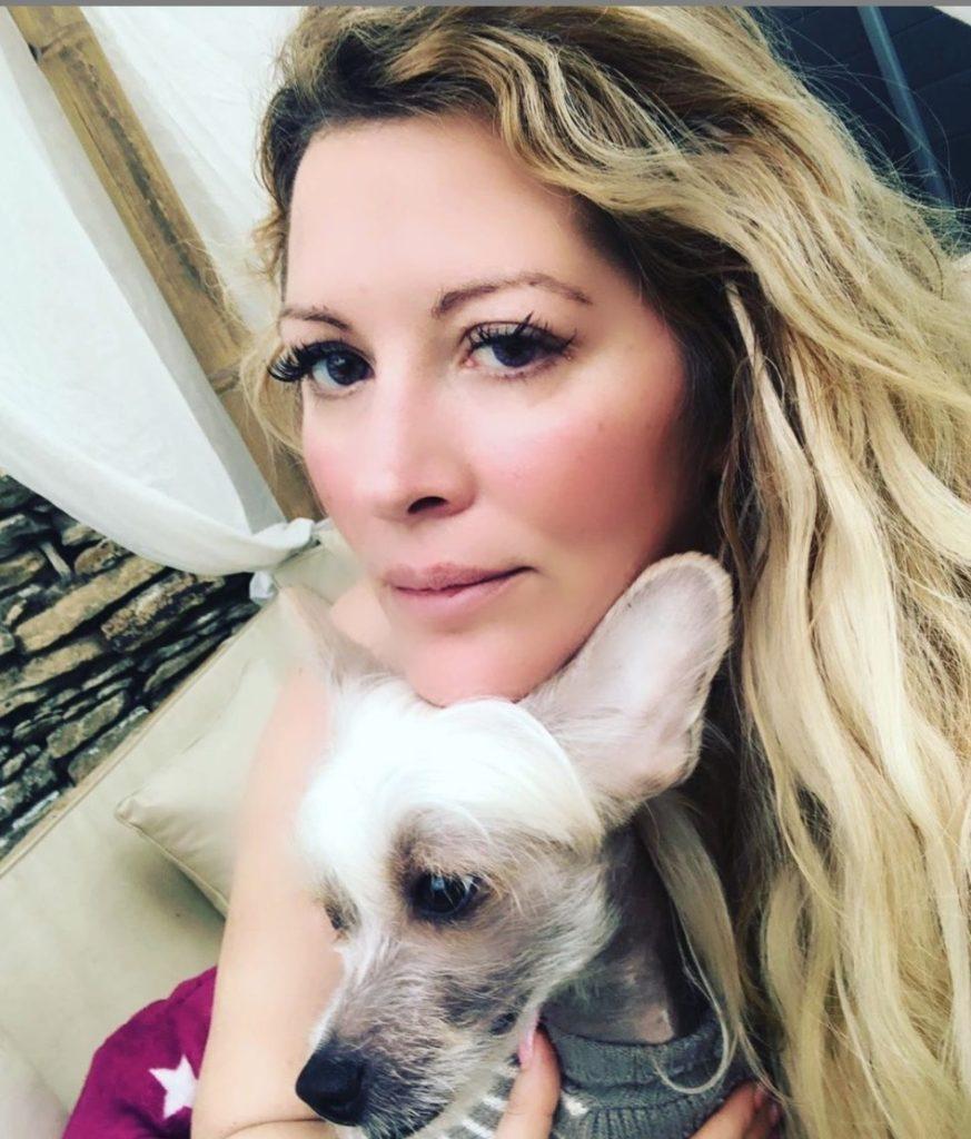 Loana avec son chien