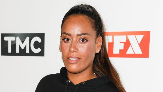 Amel Bent passe un beau message d'amour