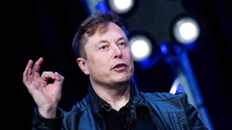 Elon Musk nie l'affaire du ménage à trois