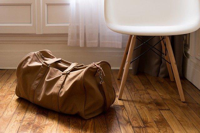 les Français hésitent à faire leurs valisesles Français hésitent à faire leurs valises