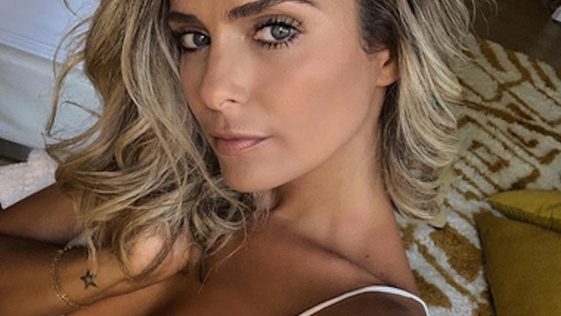 Clara Morgane dévoile ses fesses et embrase la toile sur Instagram