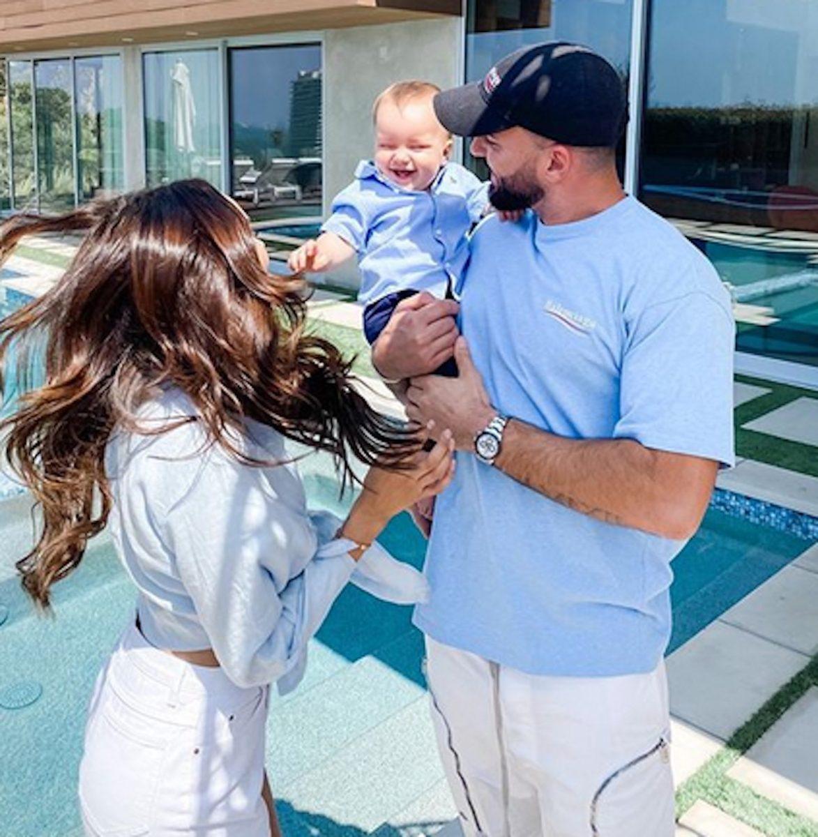 Nabilla et Thomas Vergara sont parents d'un petit garçon de dix mois. Une photo récente a provoqué la colère des internautes.