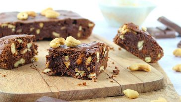 Brownie au chocolat et noix de cajou