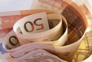 Brest : Un client offre généreusement un Banco à 4 SDF et ils s'empochent un pactole incroyable !