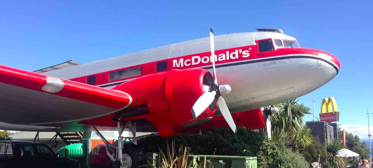 Un restaurant McDonald's dans un avion