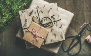 Comment faire ses cadeaux de Noël cette année ? Amazon n'est pas la seule solution, voici nos astuces