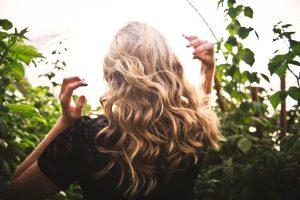 Cheveux gras que faire : comment entretenir les cheveux gras ?