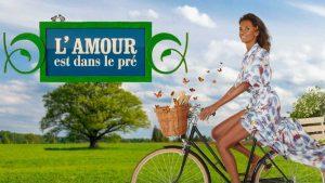 Karine Le Marchand (L'amour est dans le pré) : La présentatrice reste-t-elle vraiment en communication avec les agriculteurs?
