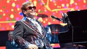 Elton John : Son état de santé est au plus bas… Le chanteur informe de la nécessité d'une opération au plus vite !